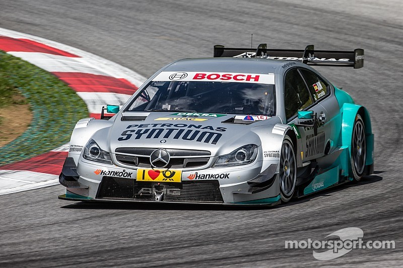 Daniel Juncadella and Paul Di Resta share fourth row