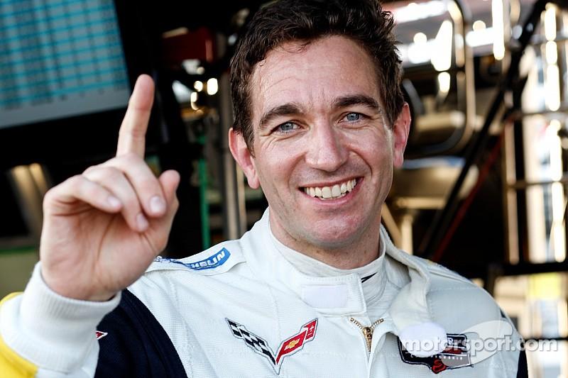 Corvette's Oliver Gavin edges AF Corse Ferrari for GTLM pole at Daytona
