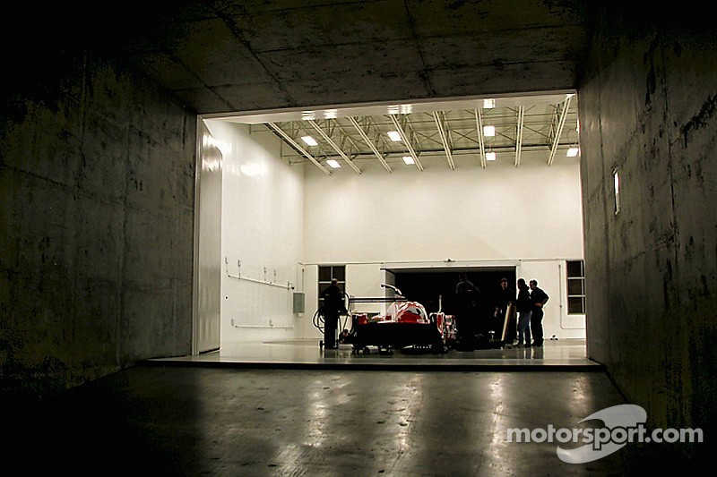 Nissan teases LMP1 car in new photo