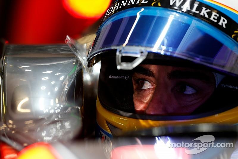 "Briatore says Alonso crash ""very strange"""