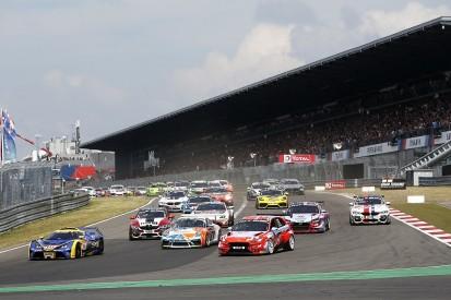 Nürburgring: Schon Anfang August erstes Rennen mit Zuschauern vor Ort