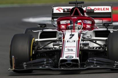 Stinksauer am Boxenfunk: Kimi Räikkönen raunzt Ingenieur an