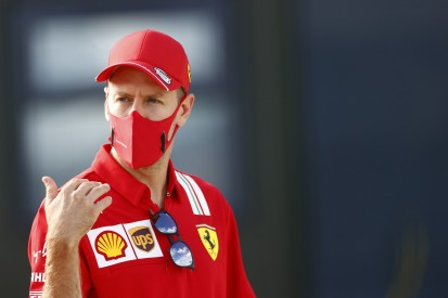 """Vettels """"Silly Season"""": Ellbogen-Gruß, Szafnauers Ferrari, Tankstelle"""