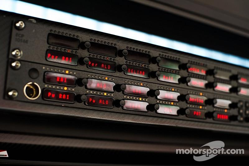 F1 keeps volume low on 'radio clampdown' rules