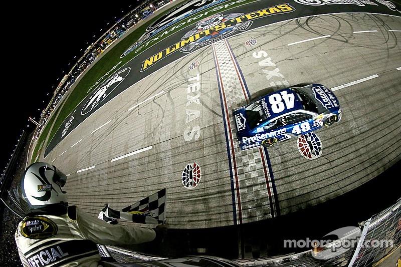 Jimmie Johnson s'impose au Texas Motor Speedway