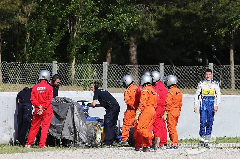 Marciello crashes Sauber on second day of testing