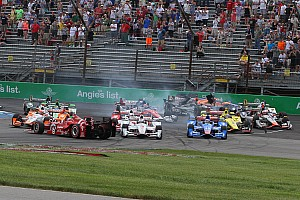 IndyCar Breaking news Castroneves hit with eight point penalty, Dixon not satisfied