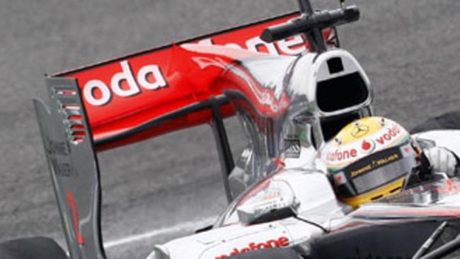 F1: l'ala posteriore della McLaren fa discutere