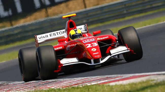 Pentus beffa Costa: la pole di gara 2 è sua