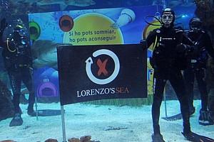 MotoGP Ultime notizie Lorenzo fa il bagno con gli squali a Barcellona