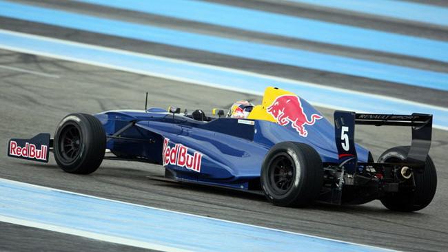 Sainz Jr svetta nei test collettivi di Le Castellet