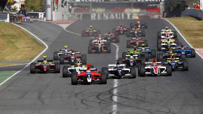 18 squadre in corsa per i 13 posti disponibili nel 2012