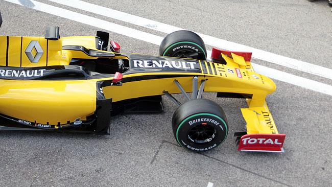 La Pirelli userà la Renault R30 per i test di gomme