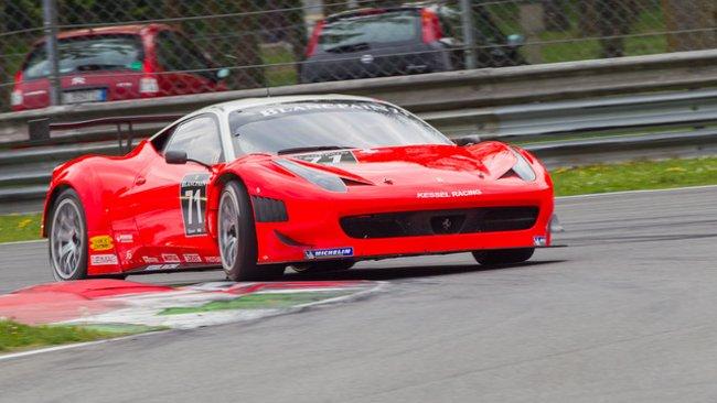 Zampieri conquista la pole a Monza, decimo Valentino