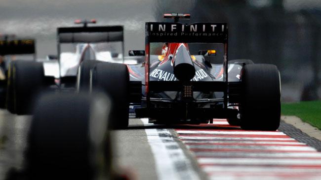 Red Bull indecisa sugli scarichi in vista del Bahrein
