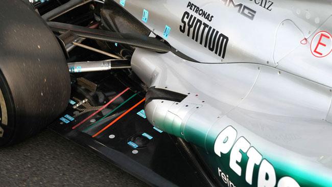 La Mercedes prova gli scarichi con l'effetto Coanda