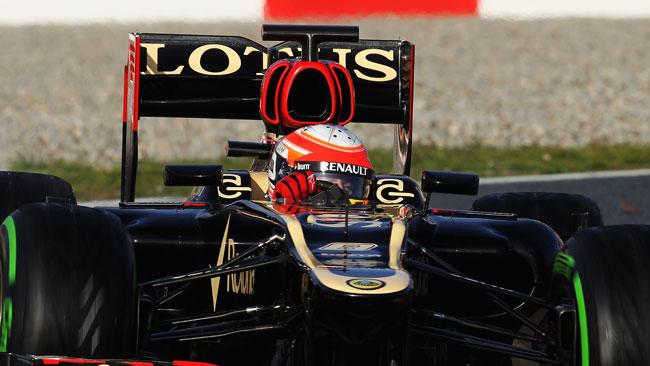 La Lotus ha aperto le orecchie ai lati dell'airbox