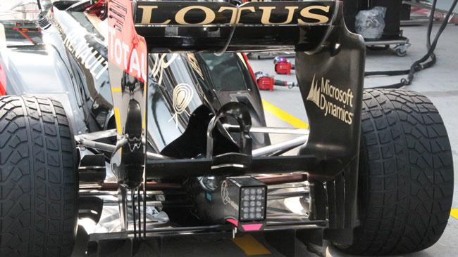 Lotus: scarichi e diffusore posteriore nuovi
