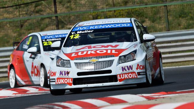 Hungaroring, Gara 1: Muller vince davanti a Michelisz