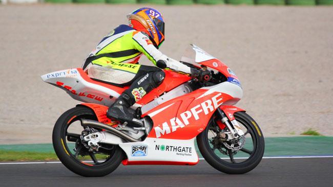 Luca Marini in pista con il Team Aspar a Valencia