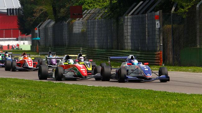 Nyck De Vries concede il bis in gara 2 ad Imola