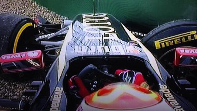 Maldonado sbatte come Hamilton nel 2007!