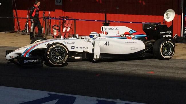 Susie Wolff prende confidenza con la Williams FW36