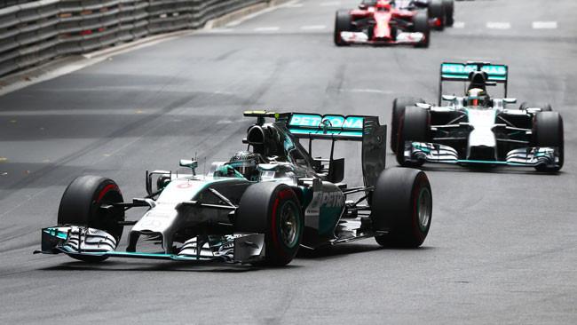 Rosberg piega Hamilton nel Principato