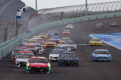 NASCAR Homestead: Byron charges through the pack to dominate
