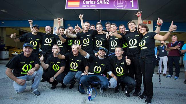 Carlos Sainz jr chiude i giochi: è campione!