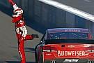 Kevin Harvick domina la gara di Phoenix