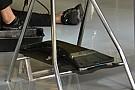 McLaren: c'è la balestra in carbonio nel T-tray
