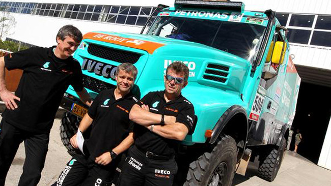 Dakar, Camion, 1 tappa: Stacey con l'Iveco nel finale