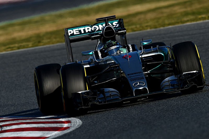 Nico Rosberg vola, ma lamenta problemi di set-up