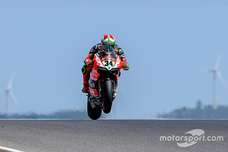 Davide Giugliano n'est pas bien mais sa Ducati va mieux