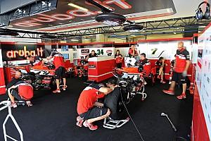 WSBK Résumé d'essais Intense journée d'essais pour les équipes Superbike et Pirelli
