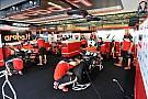Intense journée d'essais pour les équipes Superbike et Pirelli