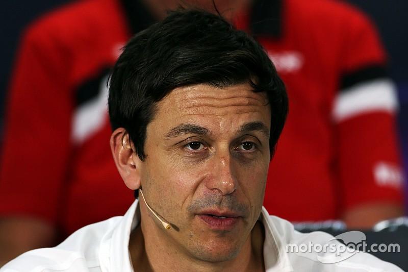 Вольф: Нам не следует критиковать Формулу 1