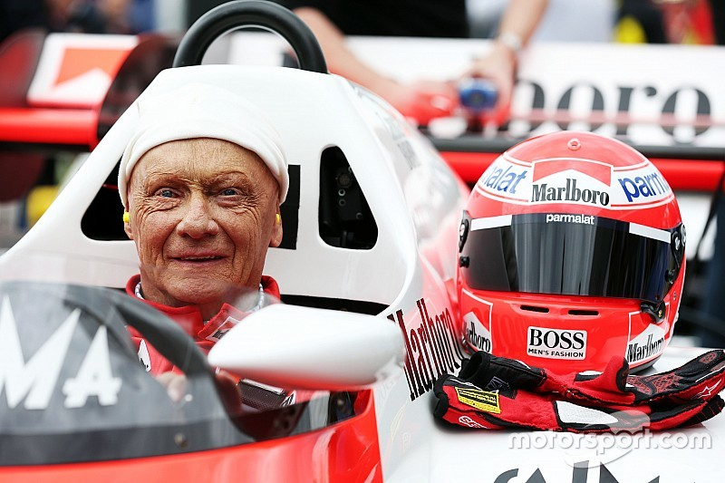 Mercedes pede desculpas por declarações polêmicas de Lauda sobre Ferrari