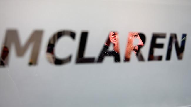 McLaren: fallito un altro crash test del muso corto!