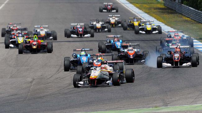 Tereschenko fa tris in gara 1 ad Estoril ed allunga