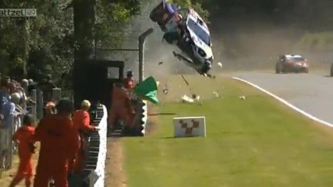 Che paura in gara 2 a Brands Hatch!