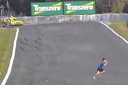 Cacophonie d'accidents, de chiens et…un enfant en piste à Curitiba!