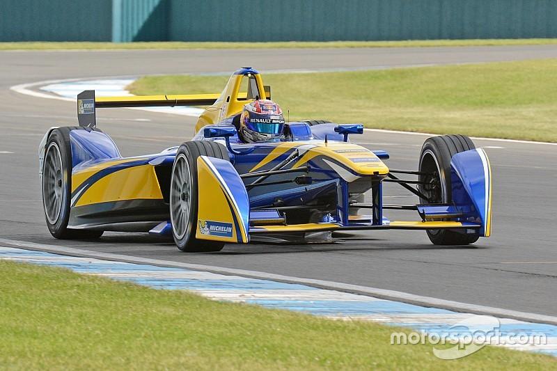 Buemi lidera novamente dia em Donington; Senna é sexto