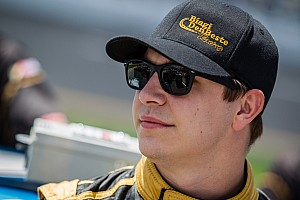 Sprint Breaking news Kevin Swindell injured in Knoxville Nationals crash - video