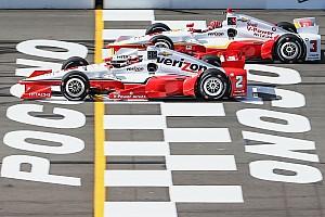 IndyCar Reporte de calificación Video - Helio Castroneves gana la pole en Pocono; fuerte choque de Kimball