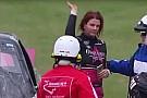 NASCAR Truck Multan a Jennifer Jo Cobb por llevar el celular a bordo