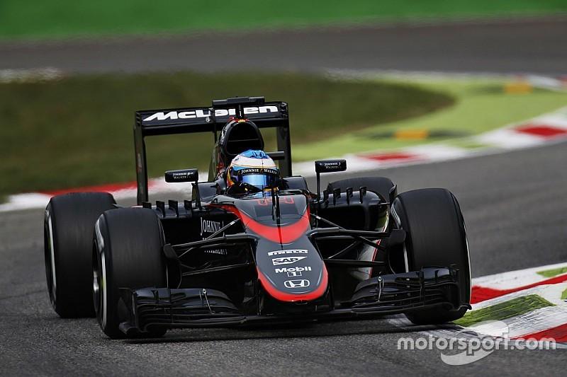 Alonso prefirió abandonar a dañar más su auto
