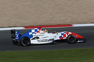 Formula Renault Ultime notizie Pole position per Ben Barnicoat in Gara 2