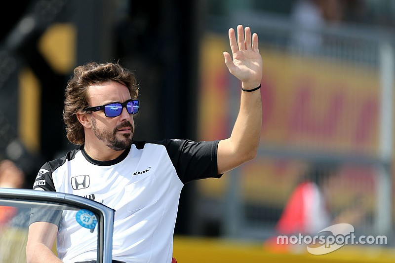 """Alonso calls for """"private"""" team radio after Suzuka outbursts"""
